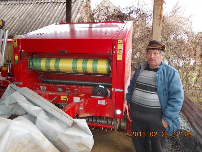 Istvánovics György Kaposvári gazda 4 éve dolgozik Mascar Corsa 150L bálázóval.