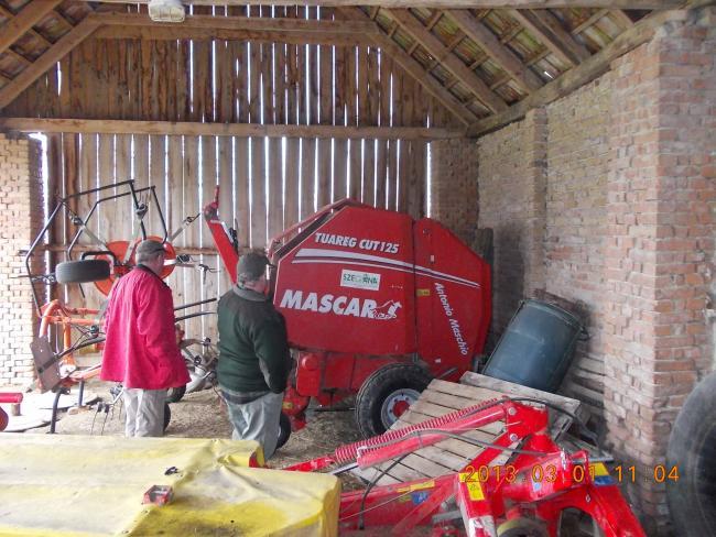 Beke István Kerecsenyi gazda 2006-ban vásárolt egy Mascar Tuareg Cut 125-ös bálázót.