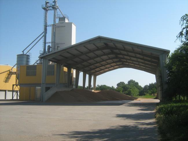 3. ábra: Horizontál tárolók előtárolója nagy mennyiségű gabona fogadására alkalmas