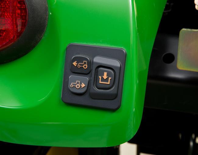 John Deere munkagép felkapcsolás segítő vezérlés