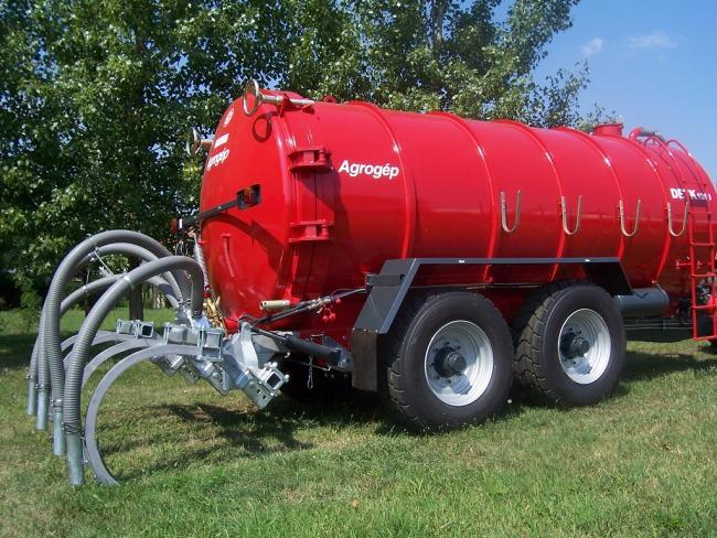 11.kép AJG Agrogép Detk-1313 tartálykocsi ívelt, merevkéses injektálóval