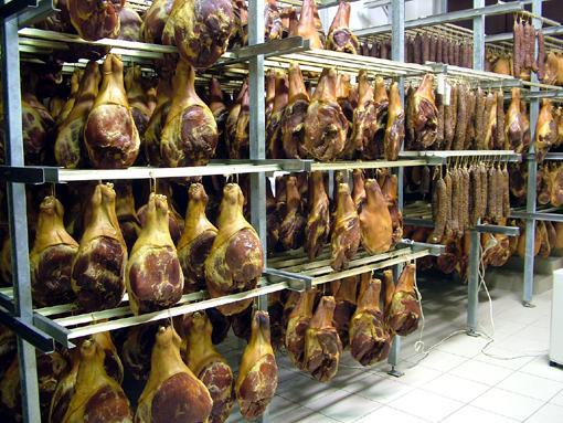 Támogatás a húsfeldolgozók technológiai fejlesztéséhez