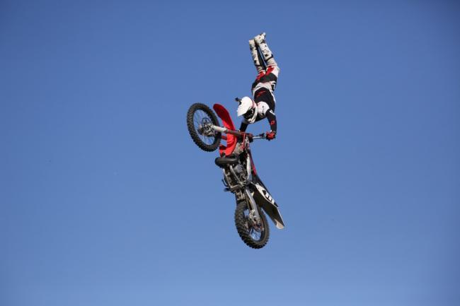 Hujber Péter FMX rider műsora