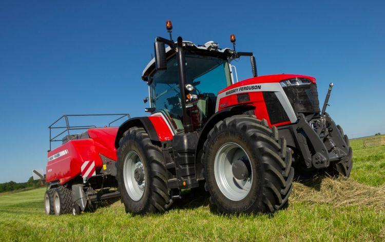 2. kép. Massey Ferguson 8S.265 univerzális traktor Forrás: https://news.agcocorp.com/gallery