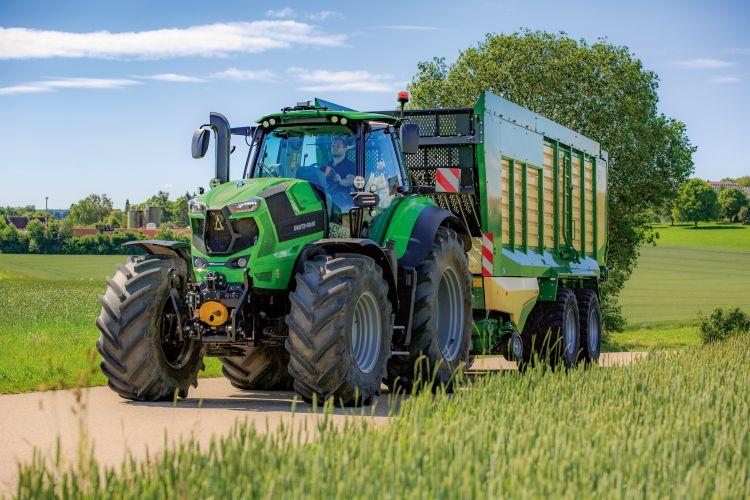 4. kép. Deutz-Fahr 8280 TTV univerzális traktor, forrás: www.deutz-fahr.com