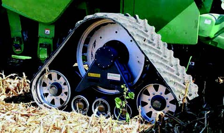 A gumihevederes járószerkezettel rendelkező erőgépek 3-5% kerékcsúszásnál adják le legoptimálisabban vonóerejüket