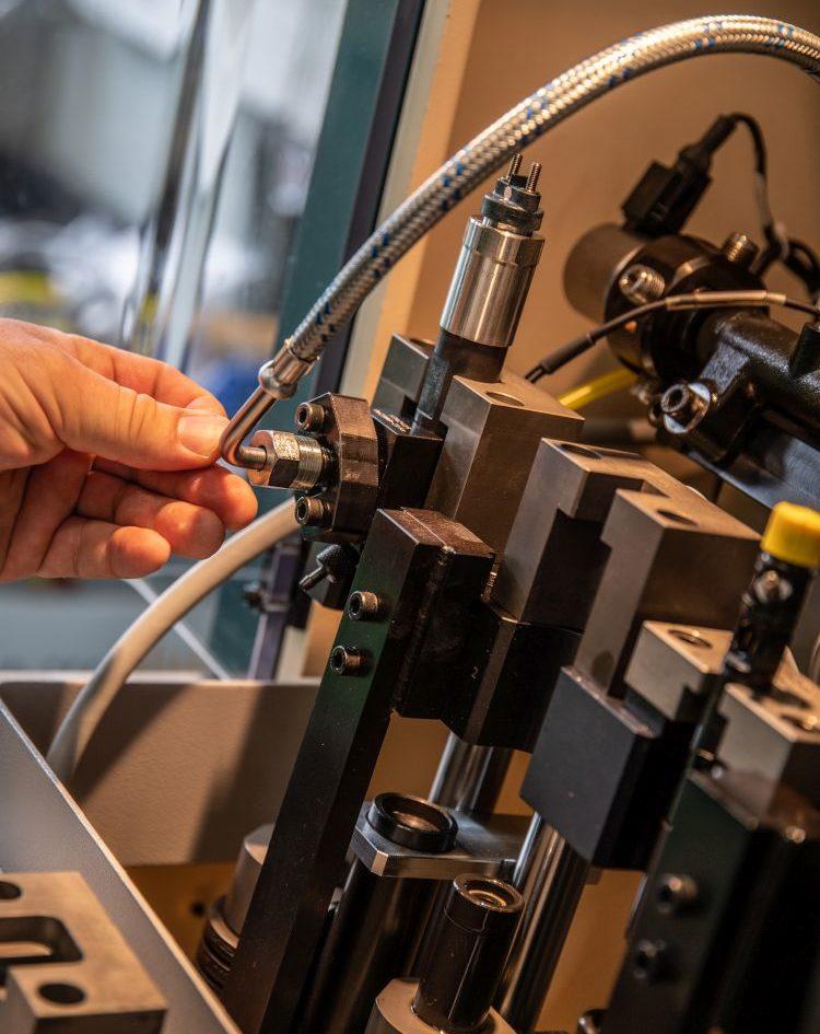 Injektor vizsgálata (Hartridge CRi-PC) tesztpadon