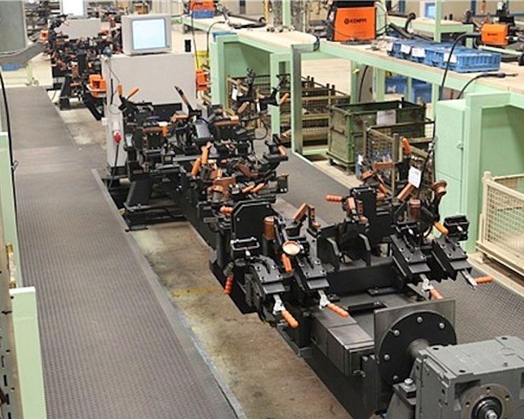 2. kép. A mezőgazdasági pótkocsikon alkalmazott nagy folyásszilárdságú anyagok felhasználása fejlettebb gyártástechnológiát igényel