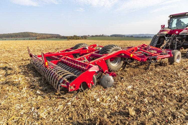 Terrano GX kukoricatarló művelésére