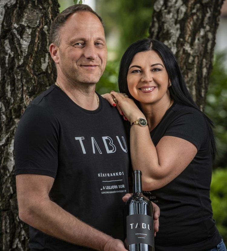 Schieber Markus és felesége, Schieber-Horváth Anita