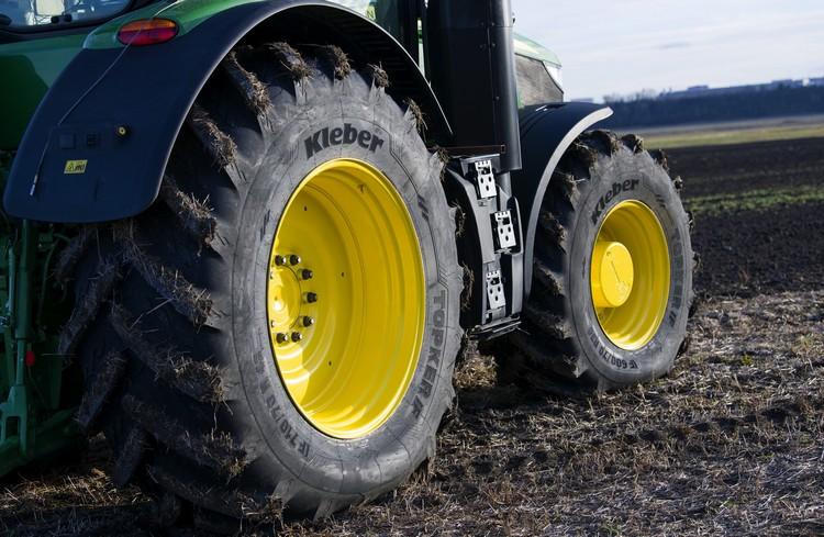 Gumiabroncs többcélú, mezőgazdasági felhasználásra