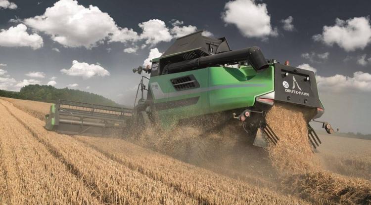 Deutz Fahr új fejlesztésű arató-cséplő gép