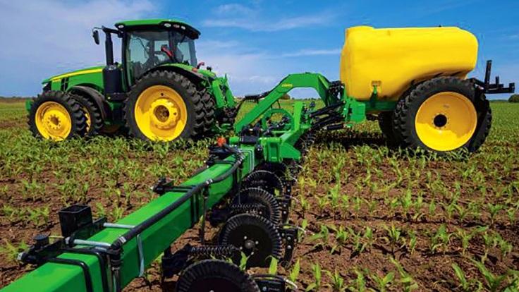 Mezőgazdaság, a műtrágya kijuttatása más munkafolyamattal egymenetben