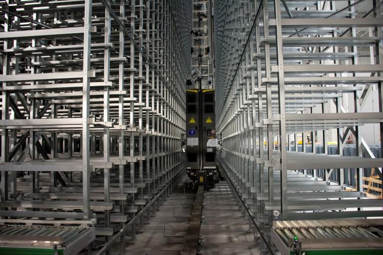 A megújult logisztikai központ, AXIÁL Kft.
